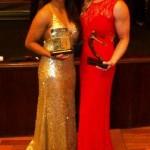 PREMIADAS! Layana Colman (Judô Clube Rocha/MS) e Mayra Aguiar (Sogipa/RS) mostram os troféus da noite! Layana foi homenageada pelas medalhas nos Jogos Olímpicos da Juventude e Mayra como melhor judoca do ano.