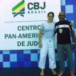 Gabriela Paliano campeão da seletiva e seu técnico Alessandro Nascimento.